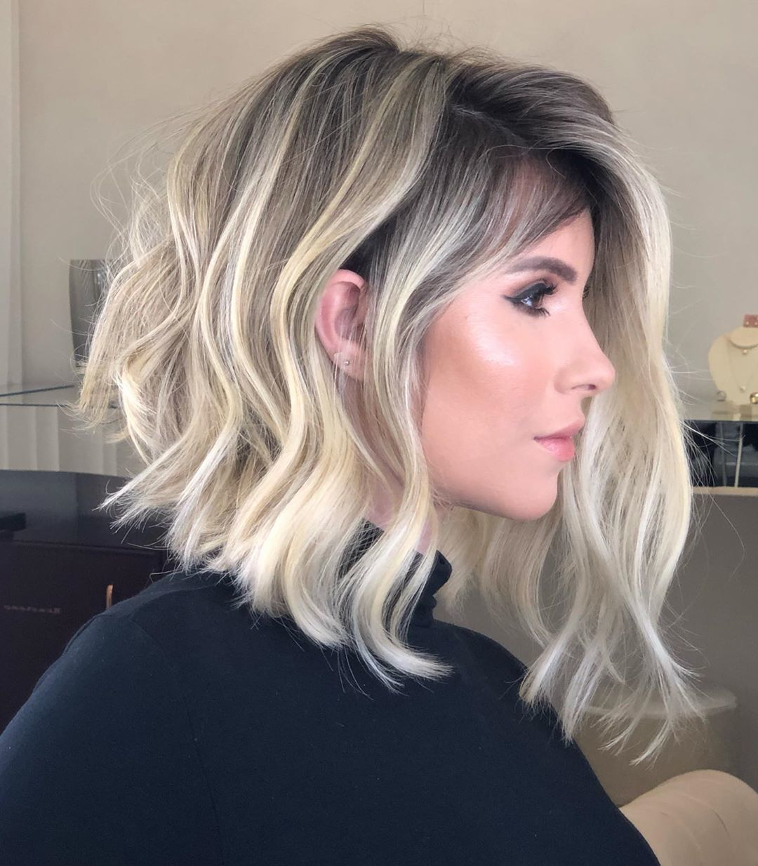 long-wavy-inverted-bob