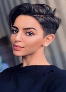 Side-Parted Pixie Hairstyles for Short Hair